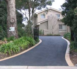 Asphalt driveway with end to end edging