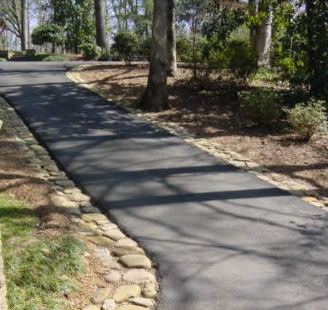 5 driveway edging designs xlasphalt asphalt driveways melbourne article 35 river rock edged pathway solutioingenieria Gallery