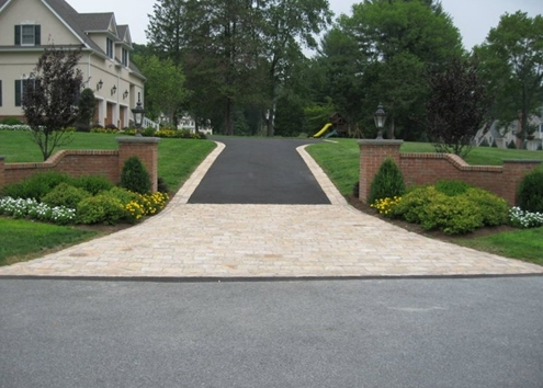 Asphalt driveway with feature edge